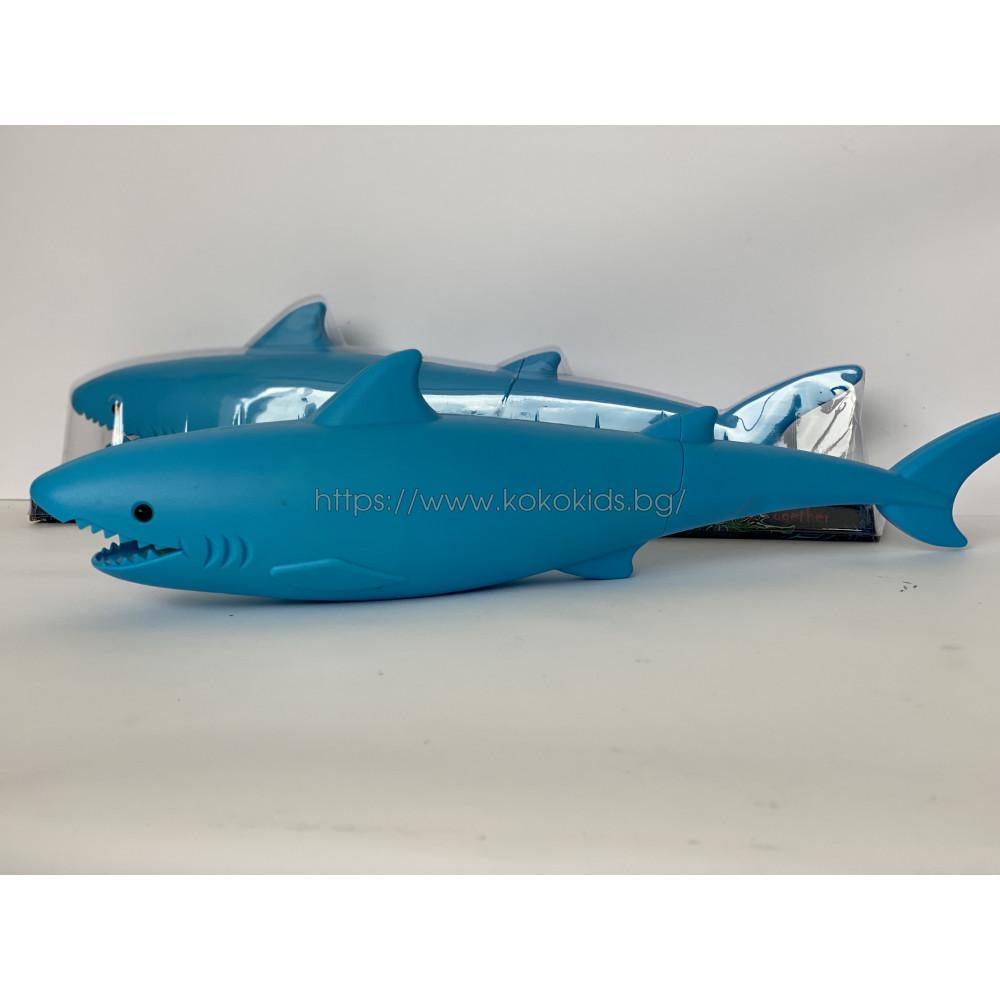 Воден пистолет - помпа  Акула